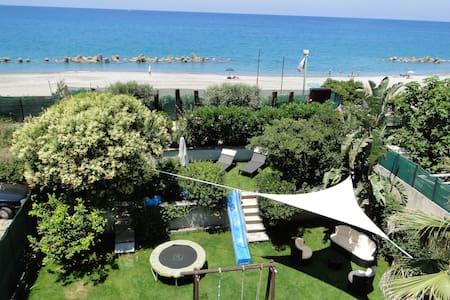 Holiday House by the sea Sicilia - Capo D'orlando - Hus