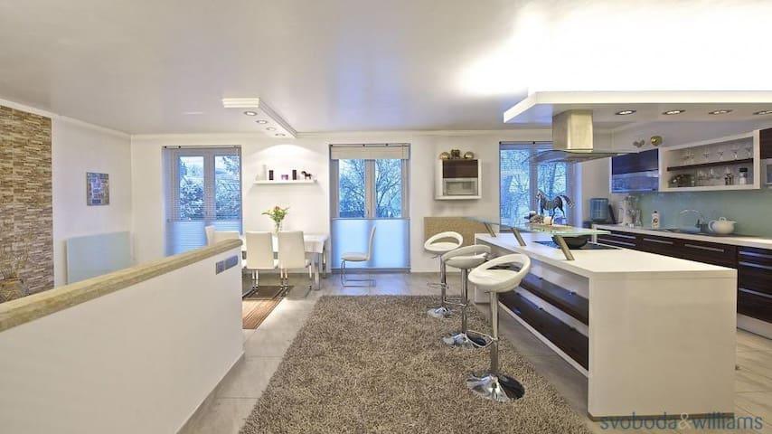 Most luxurious house in Prague - Prag - Villa