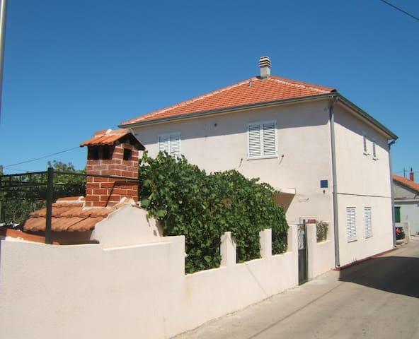 Apartments Murter- Emil - Bordo