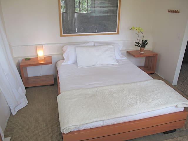 Private Hillside Garden Suite Eastside L A Su Tes De H Spedes Para Alugar Em Los Angeles