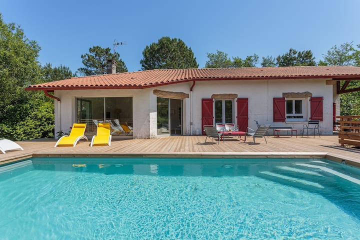 LANDAGAINA - Villa with heated pool and garden Guethary close to Biarritz