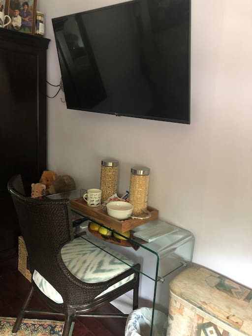 Desk & chair and smart TV