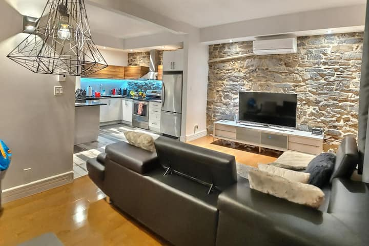 A cosy & modern flat in the heart of old Quebec