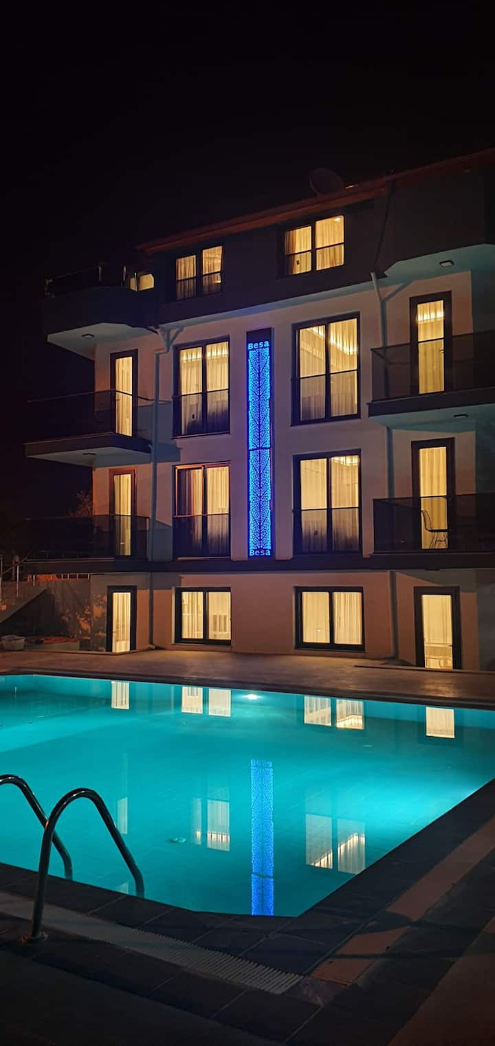 2 + 1 Luxury Apartment By The Pool No:1