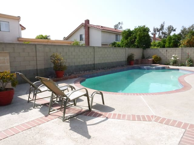 Relax and feel at home in OC! - Anaheim - Casa de huéspedes