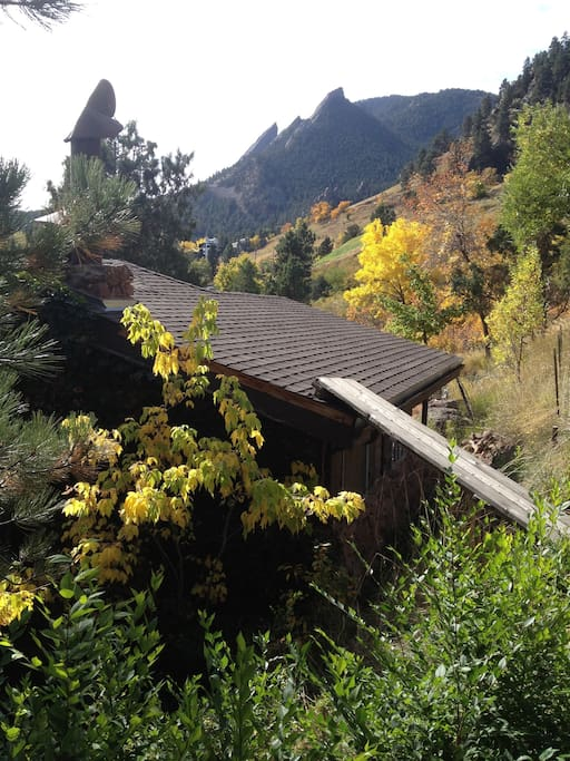 This 4-Month rental offers one of the BEST views of our famous Flatirons