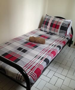Single Bed In A Cozy Bedroom - Chiang Mai