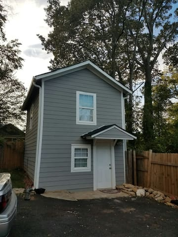 Guest House Convenient to MARTA and Downtown - Atlanta - Apartment