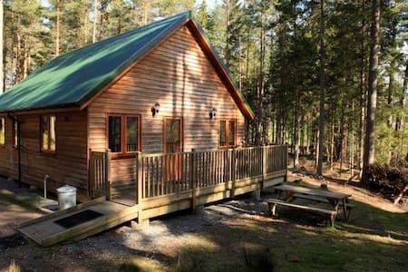 Capercaillie Cabin - Logie Coldstone
