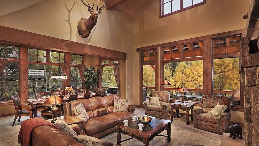 Brown Bear Chalet