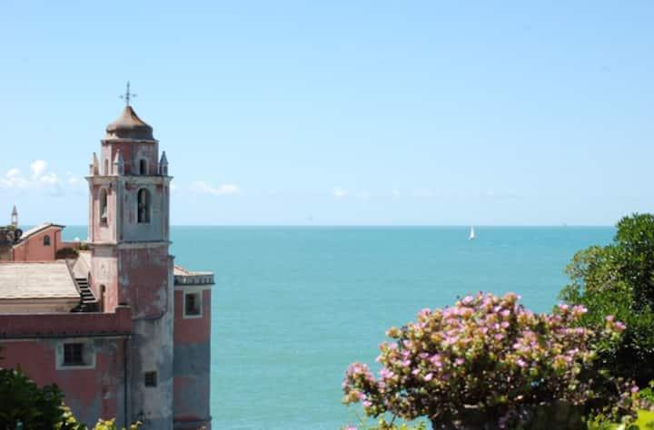 Tellaro studio with sea view garden