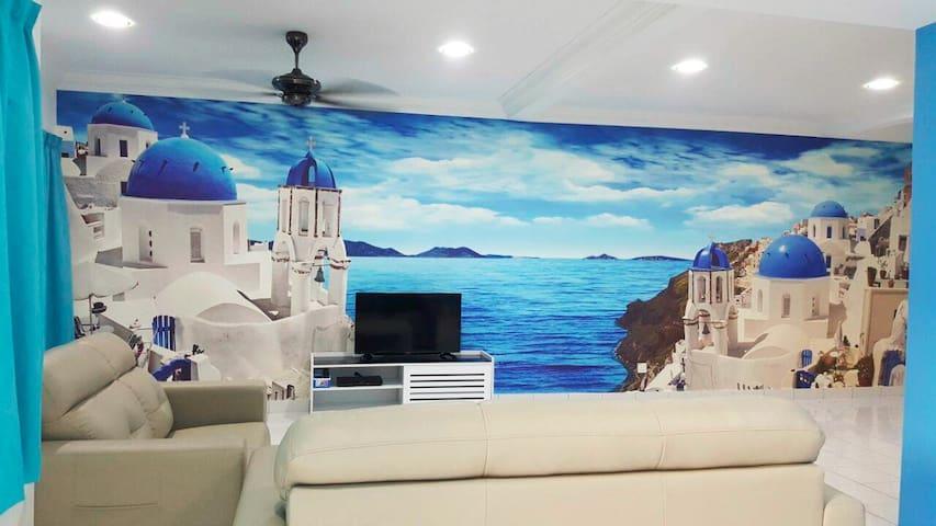 Santorini Homestay Malacca - Malacca - House