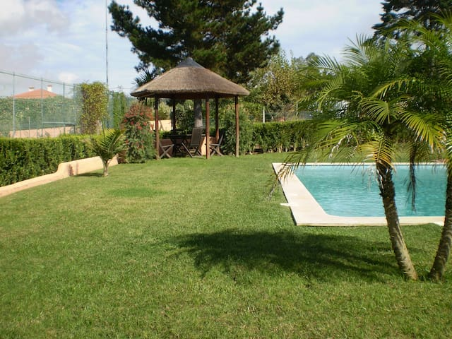 Villa apartment w/ swimming pool  - Colares - Huoneisto
