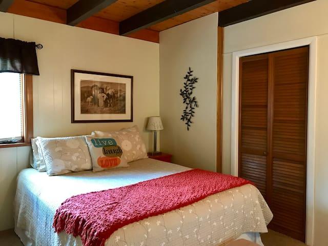 master bedroom with queen bed.  1st floor