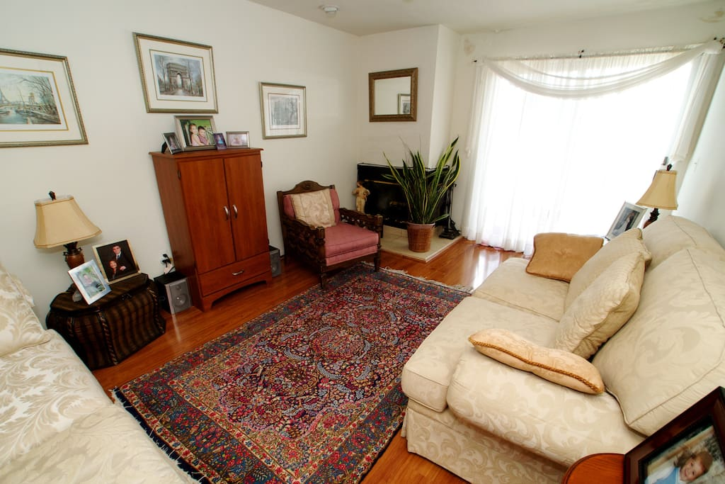 2 bedroom-2 bath apt close to NYC!