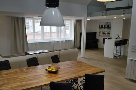 Spacious, Luxury Top-Floor Loft Apartment @Center - Prag