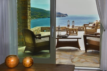 Luxurious Stone Villa with Sea View & pool in Kea