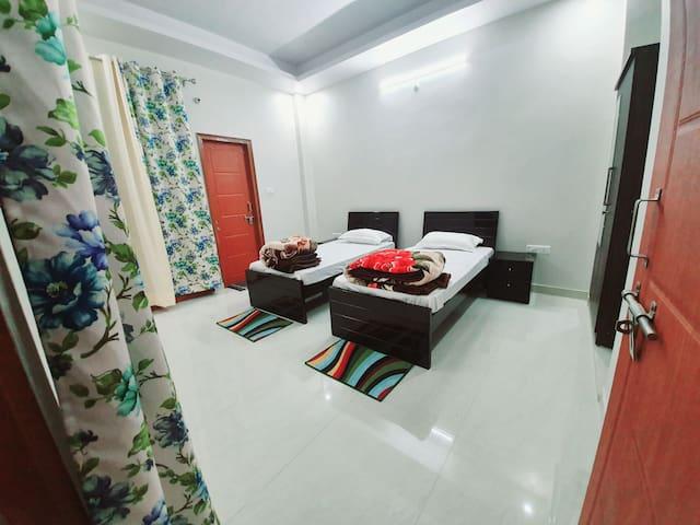 Luxurious stay at Aashray Villa