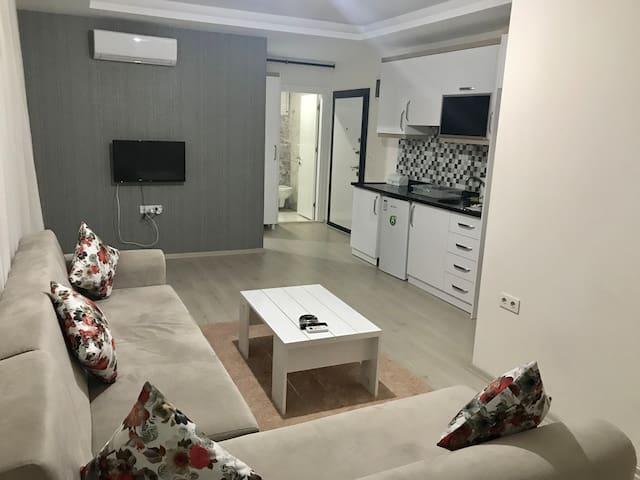 PREMIUM LIFE HOUSING 1