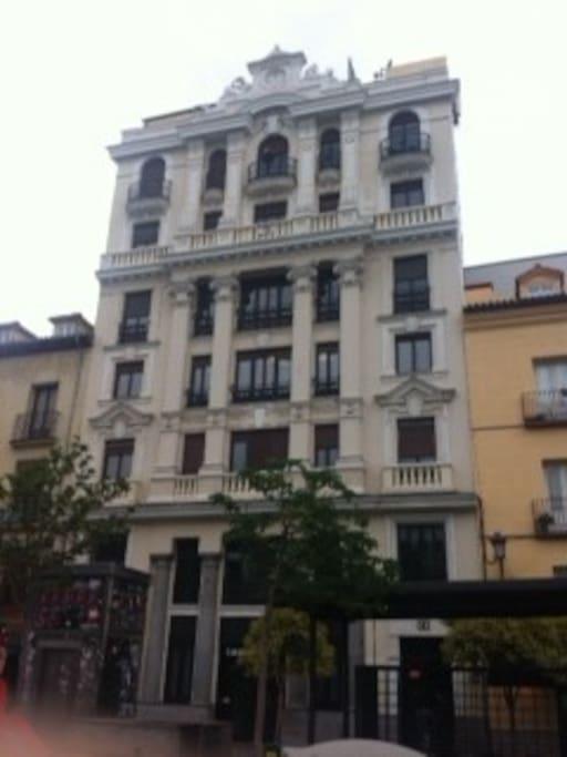 Vista de la fachada del edificio, apartamento situado en la cuarta planta con ascensor, 180 metros cuadrados