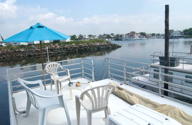 Bright Modern Charming Housebarge - Brooklyn - Bed & Breakfast