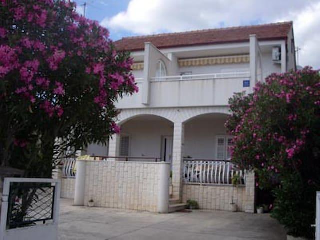 Apartmani Tanfara 1 - Brodarica - Departamento