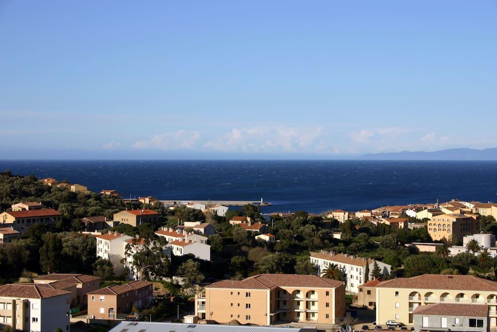 La vue imprenable sur la baie de l'Ile-Rousse et au fond du Cap Corse sans vis à vis !!