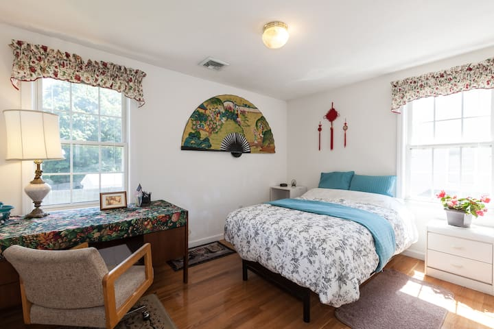 Cozy rooms with parking and Wi-Fi - Boston - Casa