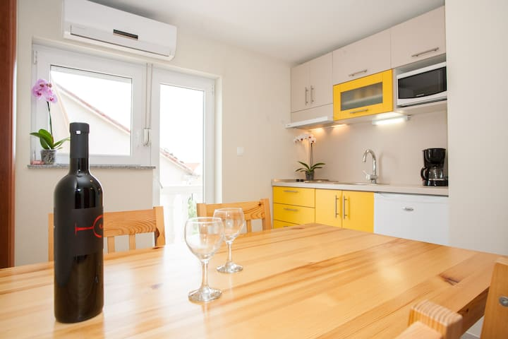 Two bedroom apartment for 3 person - Crikvenica - Daire
