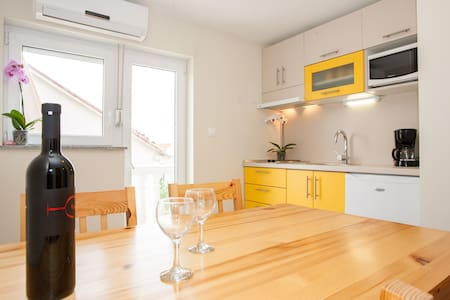 Two bedroom apartment for 3 person - Crikvenica - 公寓