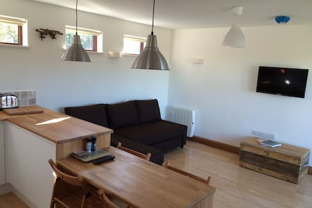 """Carbis Bay Cabins - """"Gone to the beach"""" - Carbis Bay - Apartment - 2"""