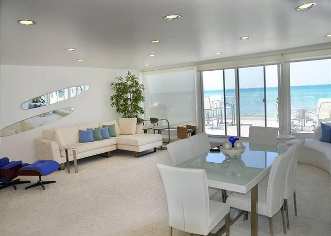 35067 Beach Road- Upper Level Duplex - Sleeps 7 - Dana Point - Apartment