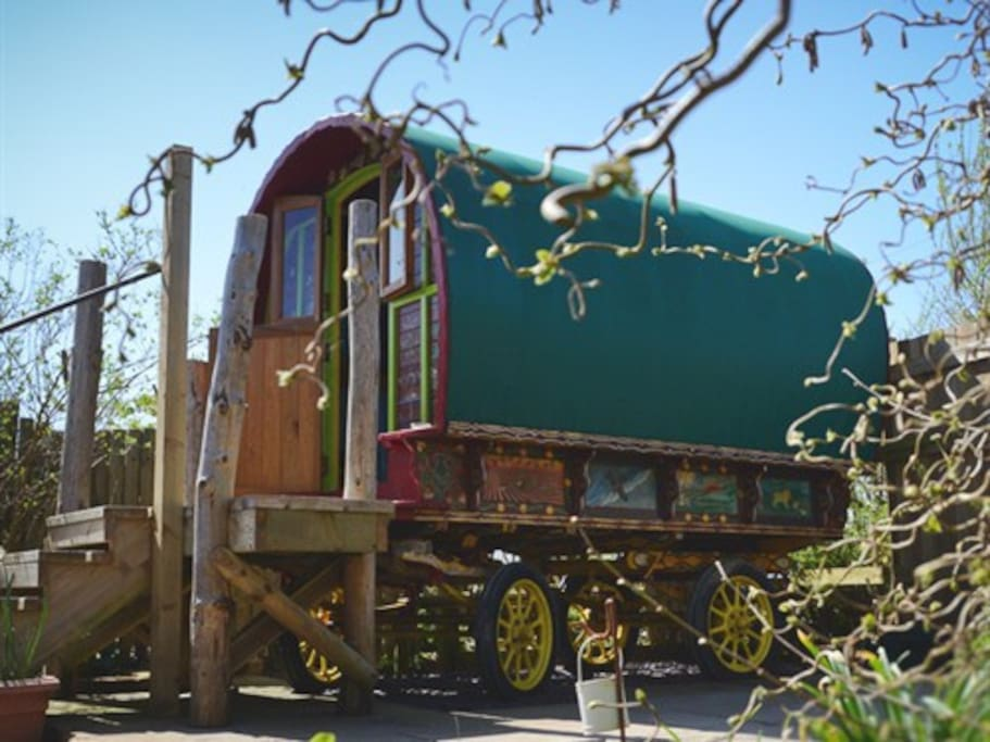 The gypsy caravan in the private garden of The Hideaway