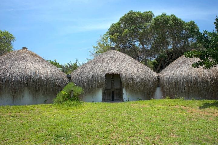 2 Bedroom chalet at Nhambavale Lakeside lodge (11)