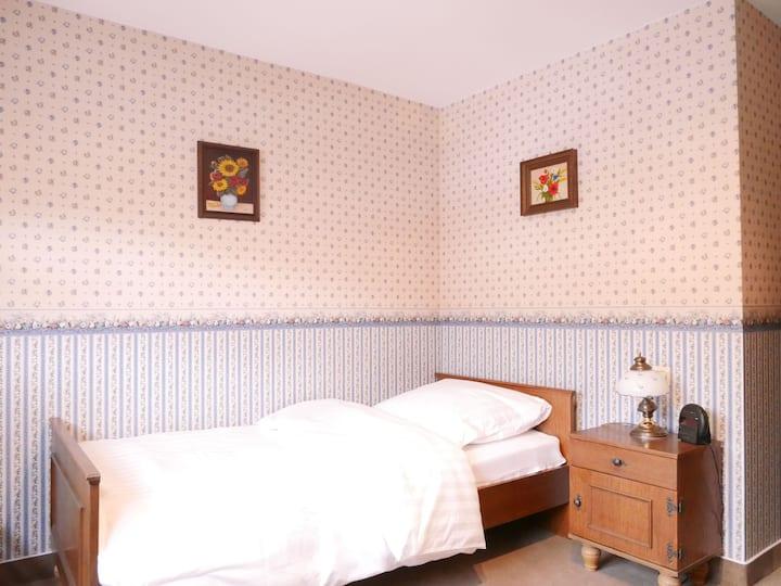 Gasthaus Engel, (Bühlertal), Einzelzimmer mit Dusche und WC