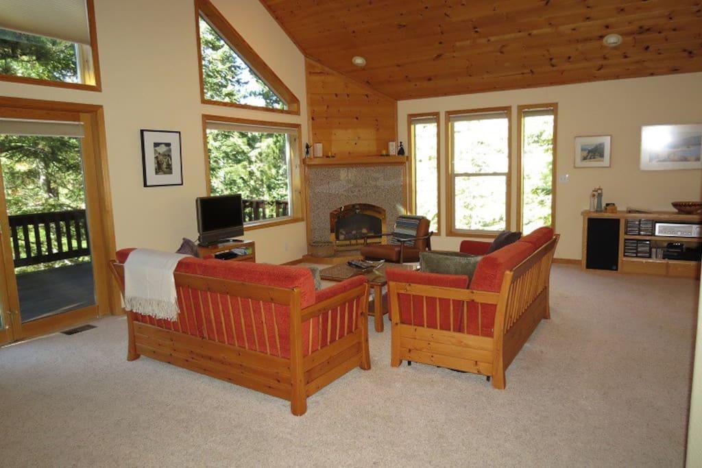 Livingroom- view 2