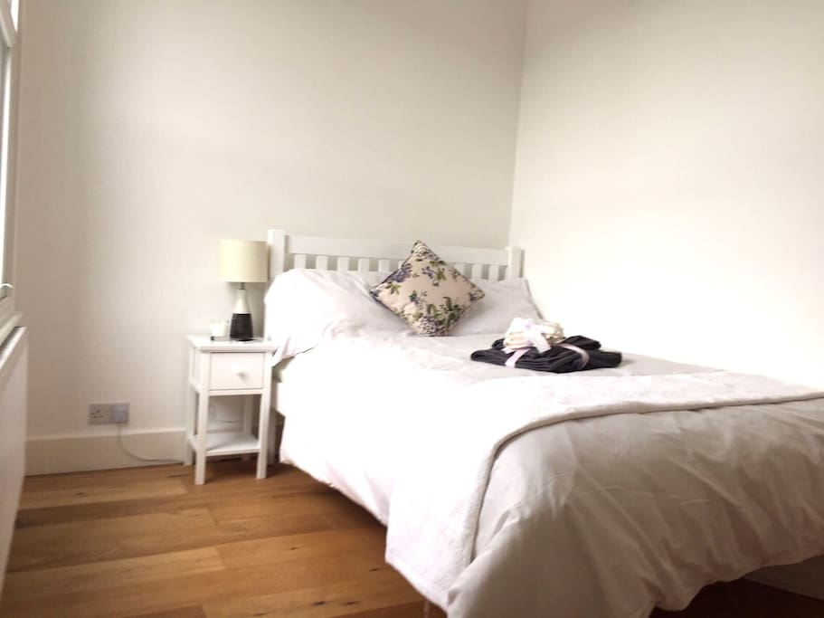 Lovely Bright Room West Hampstead Apartments For Rent