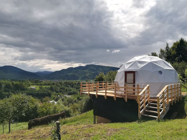 Valea Vinului Dome - a glamping experience