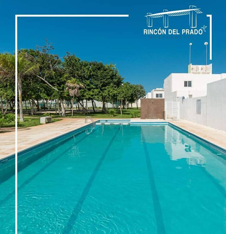 Casa en privada con alberca a 35 mn de la playa.