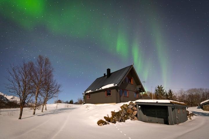 Bestefarhaugen - The cozy house on the hill