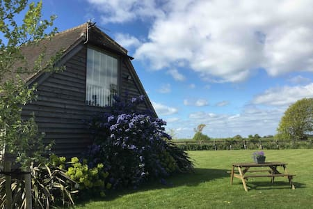 Pet Friendly Barn Conversion Studio Nr Witterings