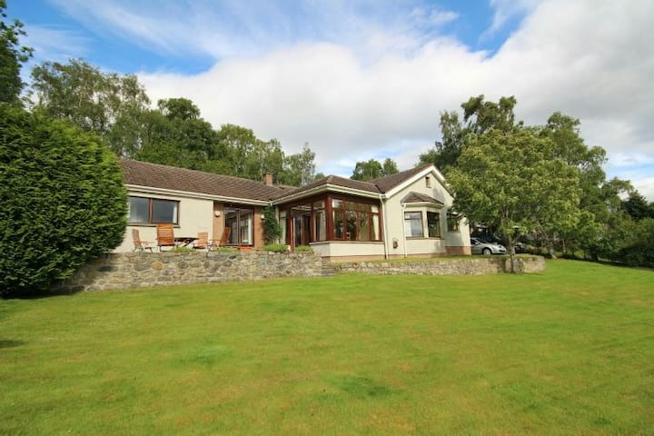 B & B on Black Isle Rural views near Inverness - North Kessock - Apartment