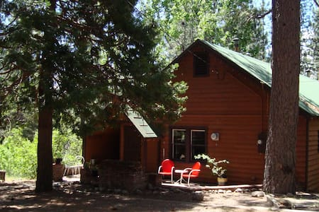 Peaceful Cabin on The Feather River - Blairsden-Graeagle - 小木屋
