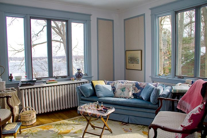 Blue Sitting Room with Cable TV & DVD