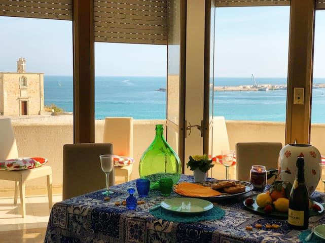 ★Beach front House★with Sea View! Otranto