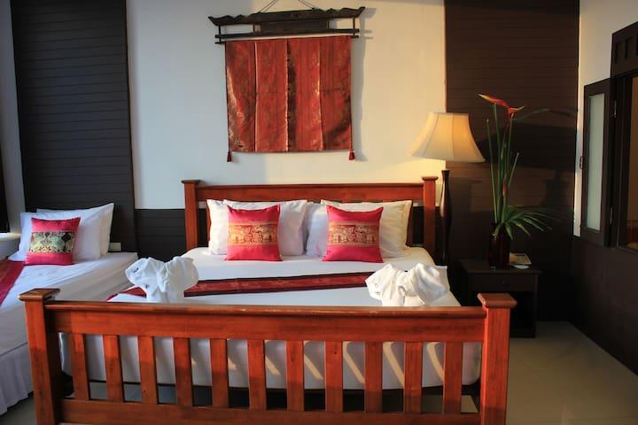 Old Style - Phuket - Bed & Breakfast