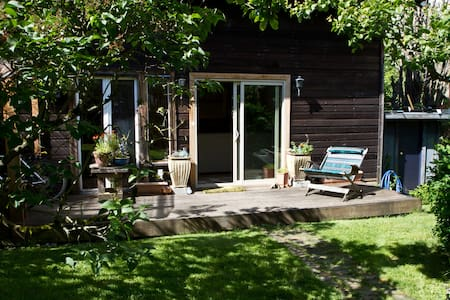 Chuckanut Guesthouse in Fairhaven - Bellingham