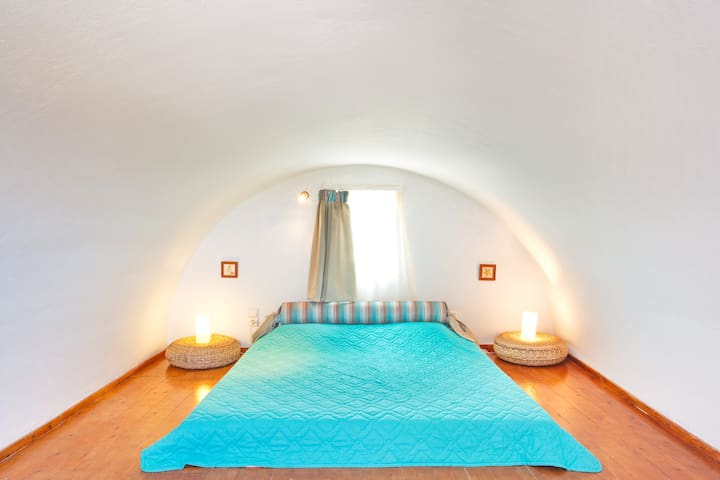 Family room - Superior s 2-4 guests - Thira - Apartment