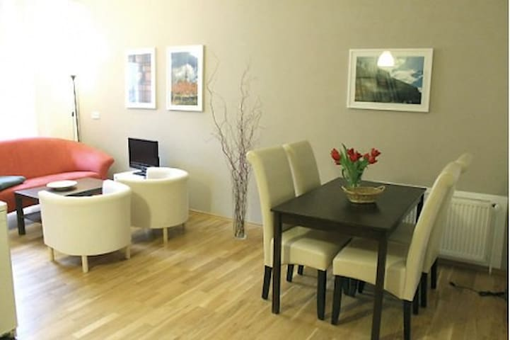 Great apartment near Kastanienallee