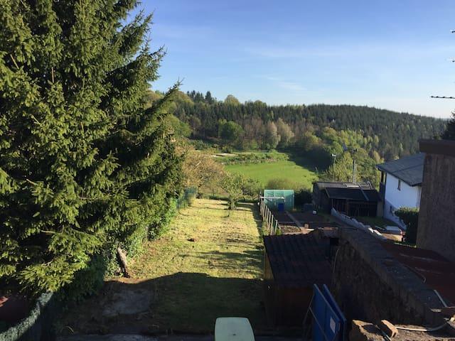 Petit coin de bonheur- 3 chambres &  poêle à bois! - Hultehouse - Hus